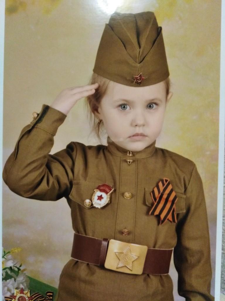 Фисина Аня, 4 года, разновозрастная группа №1